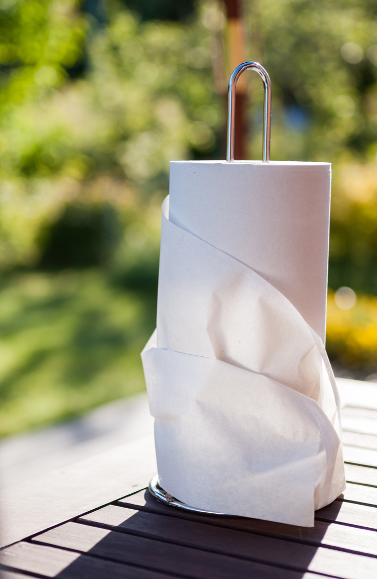 Here are 20 insanely clever gardening tips and hacks that make gardening easier. Paper towels can help keep your plants alive while you're out of town!