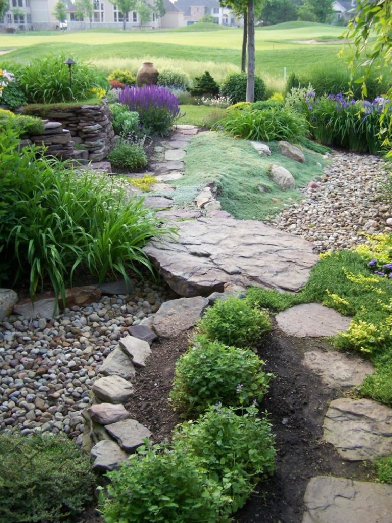 DIY Dry Creek Bed Designs and Projects ~ Page 7 of 10 ...