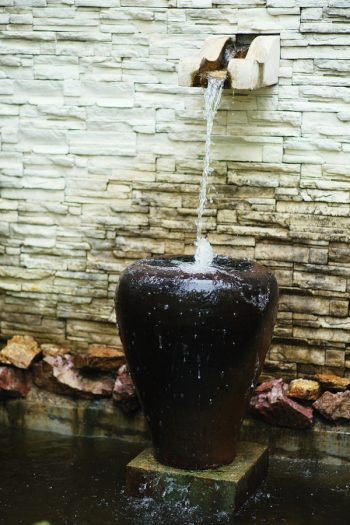 Here are some amazing and easy to make DIY garden waterfalls that are a great addition to any backyard. Whether you have a big space, or a small corner, there's a garden waterfall idea here for you. Check them out!