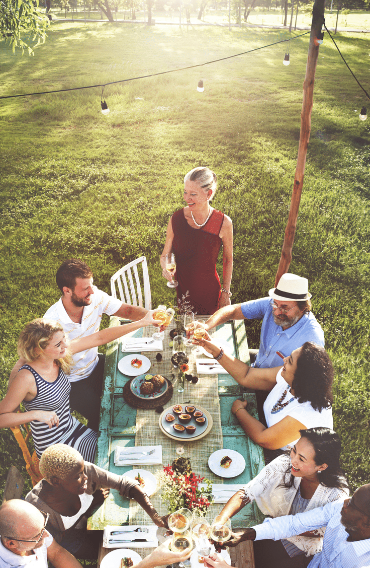 Having a full size table in your yard is perfect for entertaining. Here are 10 inviting backyard ideas for all types of gatherings.