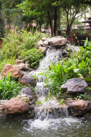 Here are some amazing and easy to make DIY garden waterfalls that are a great addition to any backyard. Whether you have a big space, or a small corner, there's a garden waterfall idea here for you.