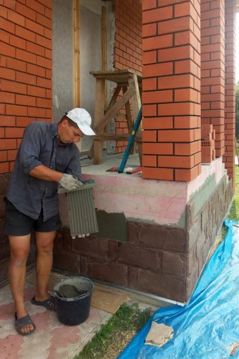 Here are some amazing and easy ways to do a foundation covering to dress up or hide your home's foundation. From paint to landscaping to stone, there's something for everyone!