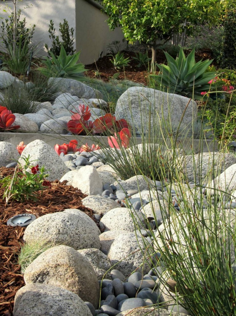 10 beautiful dry creek beds page 7 of 11 bless my weeds. Black Bedroom Furniture Sets. Home Design Ideas
