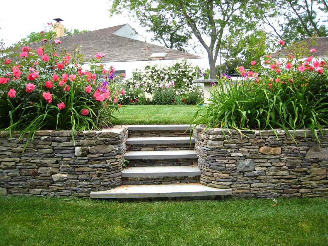 12 Beautiful Flower Beds That Will Inspire Page 10 Of 13 Bless