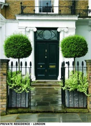 Flowers, front porch ideas, front porch decor, DIY porch, porch ideas, outdoor living, popular pin, wreaths, door decor