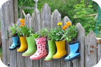 Gardening, frugal gardeners, frugal gardening tips, popular pin, gardening hacks, gardening tips, save money gardening,