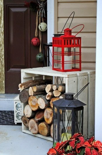 15-ways-to-decorate-your-christmas-front-porch10