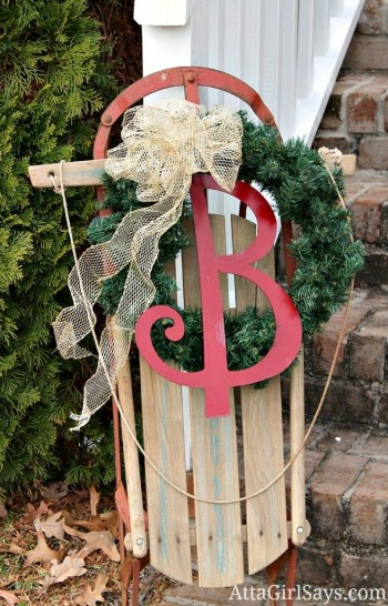 15-ways-to-decorate-your-christmas-front-porch2