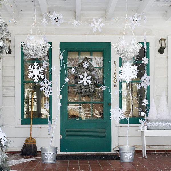 Christmas decor, DIY Christmas, holiday decor, holiday decor hacks, popular pin, DIY holiday, Christmas, porch decor, popular pin, pirch and patio decor.