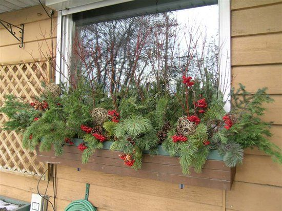 20 easy holiday window box ideas10 - Window Box Christmas Decorations