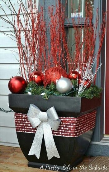 22-ways-to-decorate-your-yard-for-the-holidays2