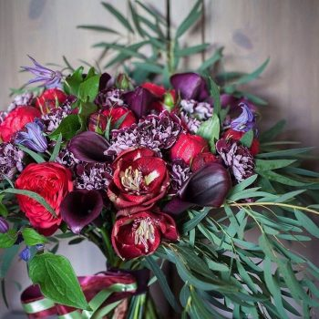 15-winter-floral-arrangements-that-will-leave-you-speechless11