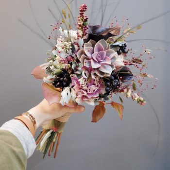 15-winter-floral-arrangements-that-will-leave-you-speechless3