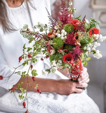 15-winter-floral-arrangements-that-will-leave-you-speechless5