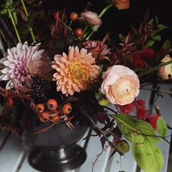 15-winter-floral-arrangements-that-will-leave-you-speechless9