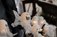 12 Haunting Yard Ideas for Halloween - Bless My Weeds| Yard Ideas for Halloween, Halloween Yard Ideas, Yard and Landscaping Ideas, Landscaping Ideas for Halloween Yards, Halloween Home Decor, Popular Pin