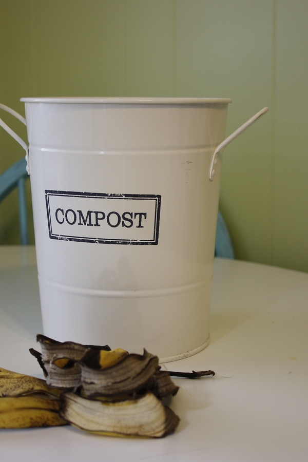 indoor compost bins for your kitchen | compost | compost bins | indoor compost | indoor compost bins | kitchen | composting