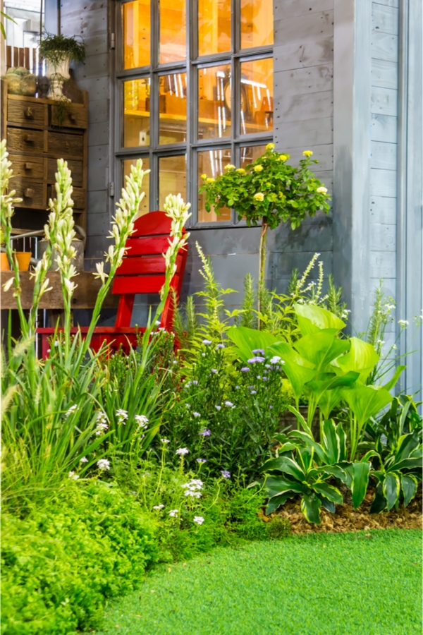 Garden Decor | ways to garnish your garden | ways to decorate your garden | decor | decor for the garden | garden | garden ideas | garden decor ideas