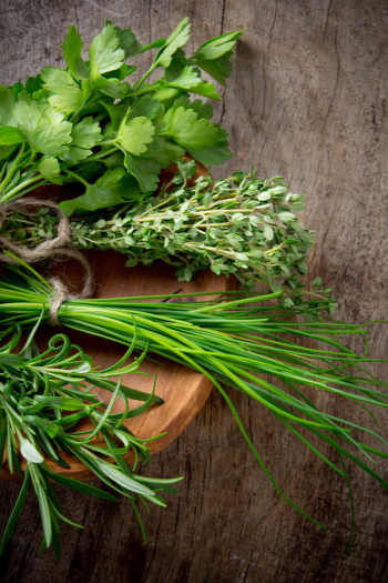 There's never a bad time to plant an herb garden, because there are so many ways to do it. I've got herb gardening ideas to help you feel more confident. Get ready to use those herbs!