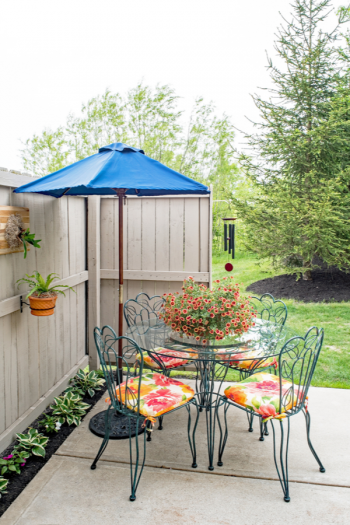 DIY small patio ideas on a budget are perfect for those DIYers with small yards, patios, or even apartment-dwellers with balconies. Even if your patio is only a few feet square, there are things you can do to enjoy it to its fullest. Check them out!