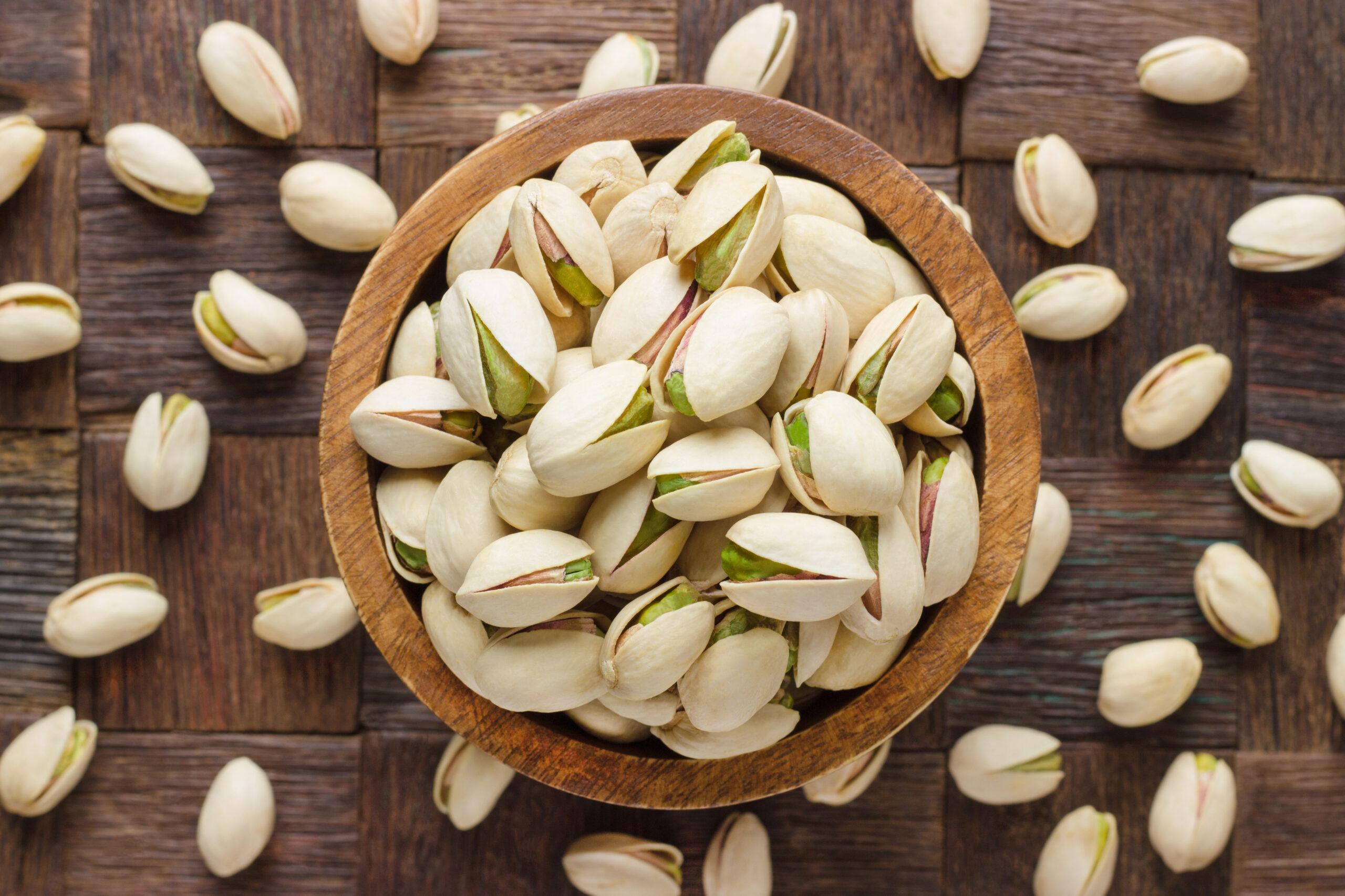 using pistachio shells as plant base